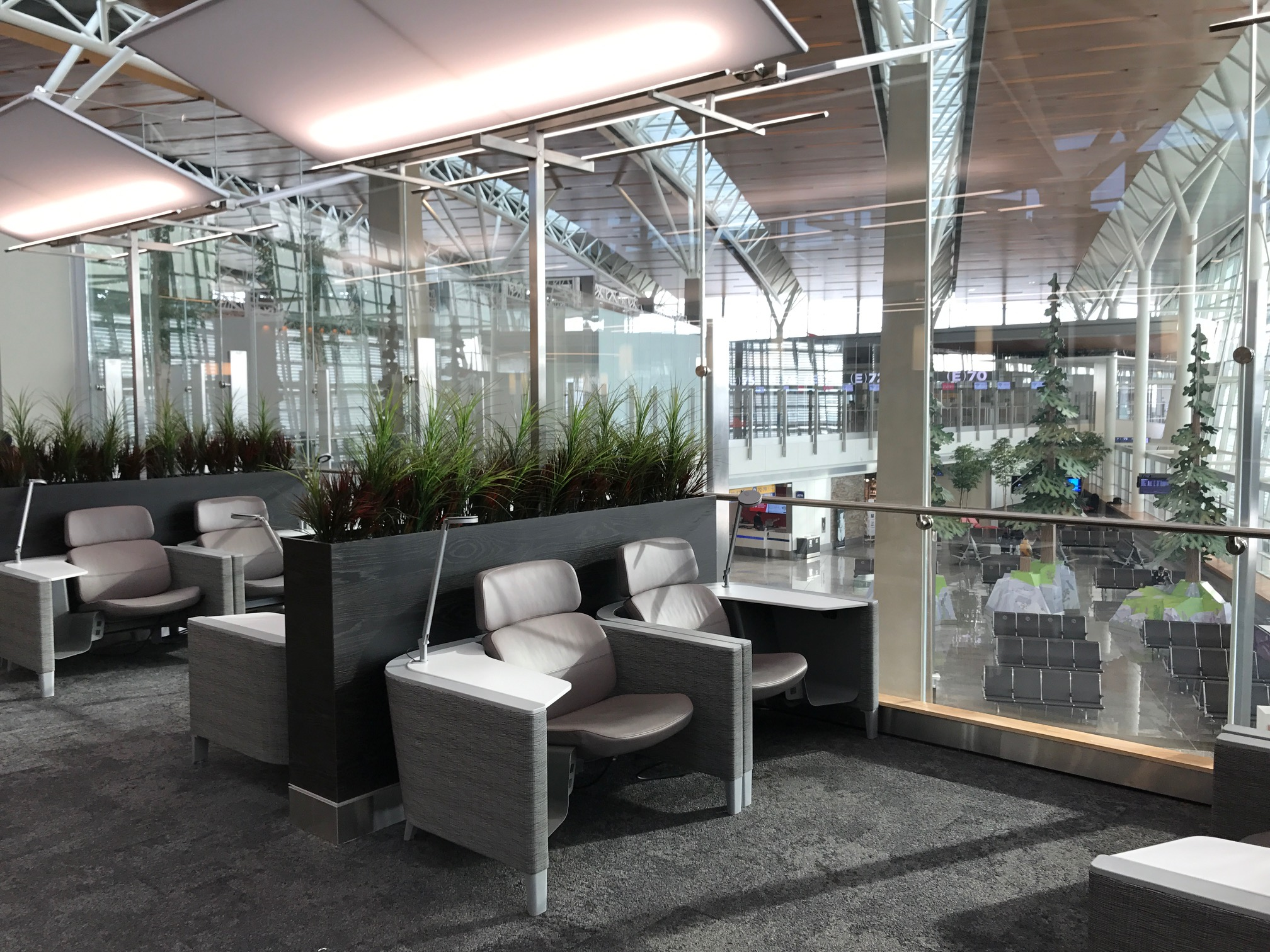 Rewards Canada's Guide to Business Class Lounge Access